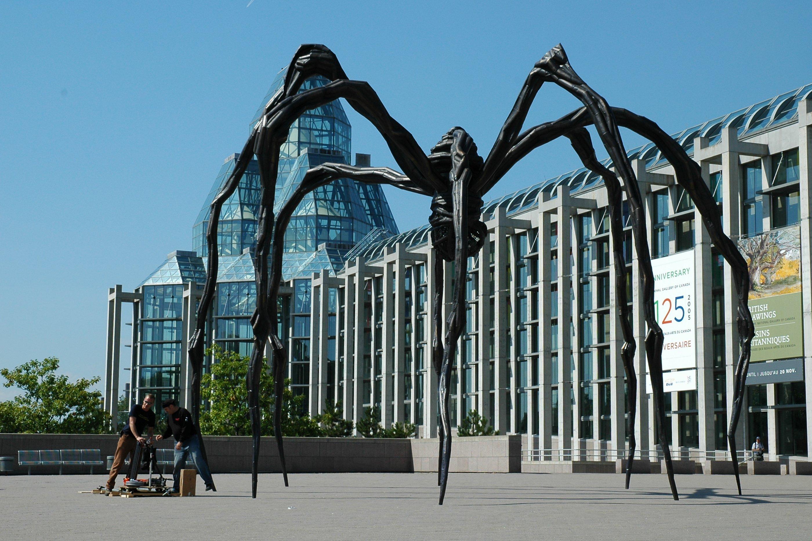 Kanada - Page 2 NationalGallery_Spider_Large