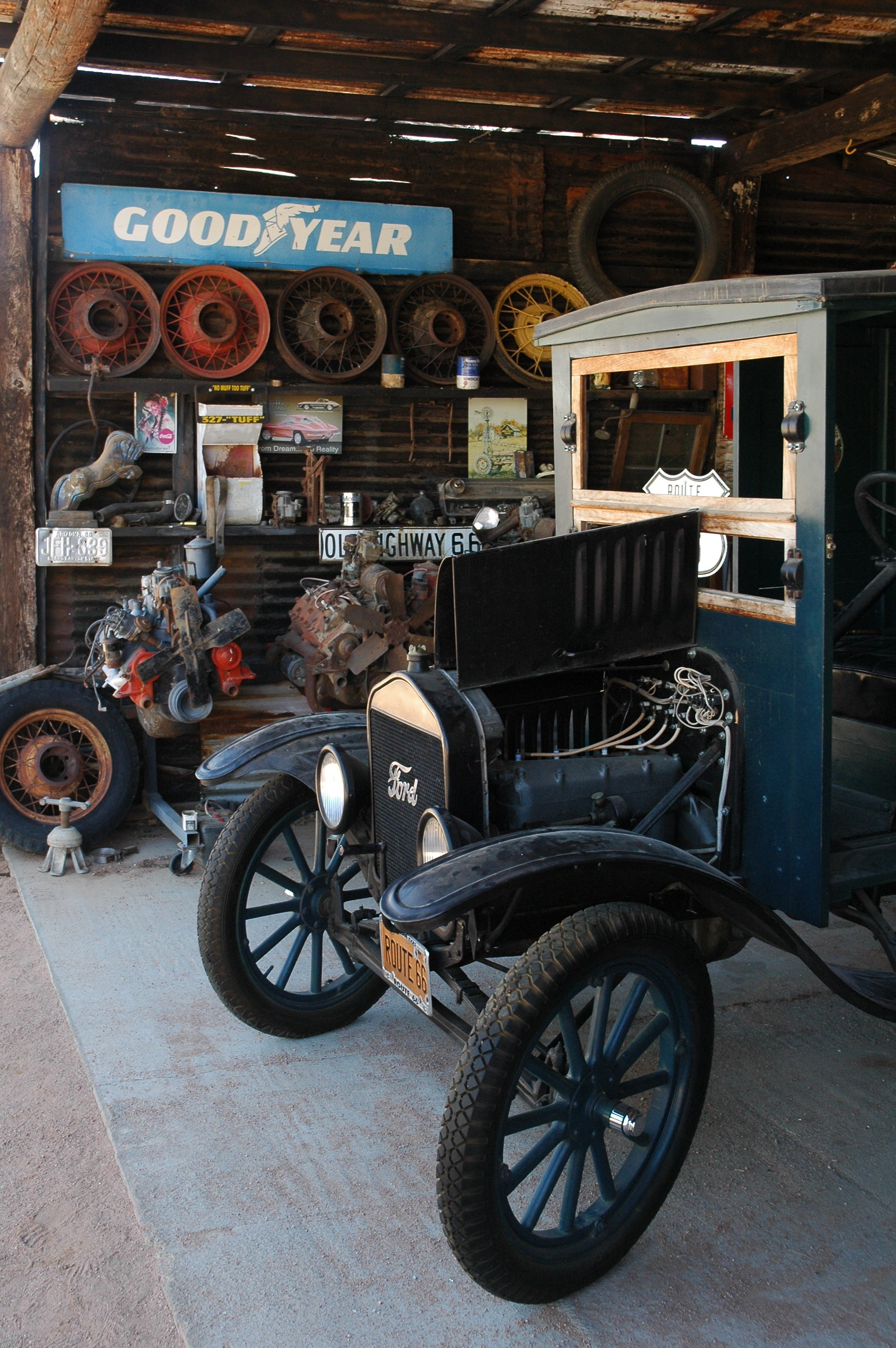 Route 66 from williams to kingman arizona for Route 66 garage metz